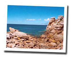 seaside holiday rentals Pink granite coast