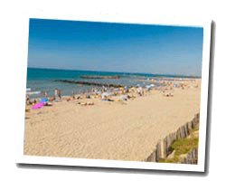 seaside holiday rentals Vias