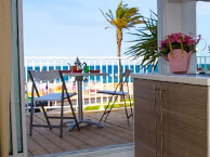 hotel with sea view bleu-mer-st-cyprien