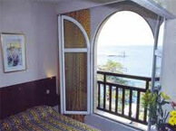 hotel with sea view bon_port_collioure