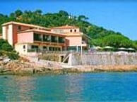 hotel with sea view castel-orcino-tiuccia