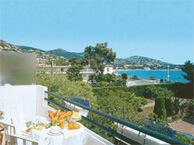 hotel with sea view esterella_st_raphael