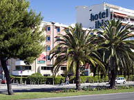 hotel with sea view ibis_nice