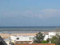 hotel with sea view le-cosy-ouistreham