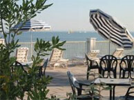 hotel with sea view les_brises_la_rochelle