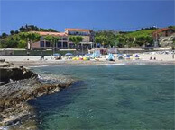 hotel with sea view les_elmes_banyuls