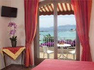 hotel with sea view logis-bellevue-lavandou