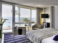 hotel with sea view mercure_nice
