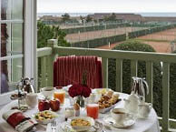 hotel vue mer normandy-barriere-deauville