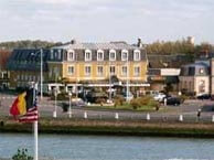 hotel with sea view paris-courseulles