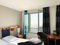 hotel with sea view querrien-cancale