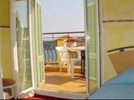 riviera-villefranche chez booking.com