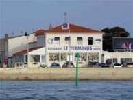 hotel with sea view terminus-bourcefranc